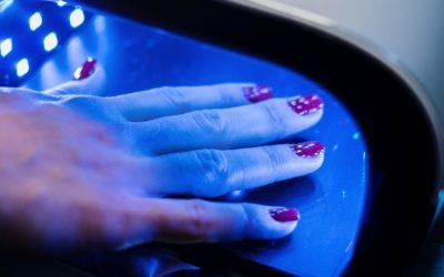 Les 5 idées reçues sur les faux ongles
