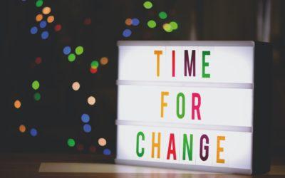 Devenir prothésiste ongulaire : un métier idéal pour une reconversion professionnelle